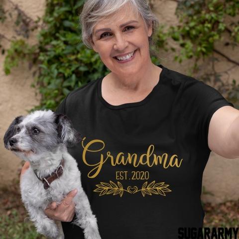 GRANDMA EST. | GOLD LETTERS T-SHIRT | Flower Design